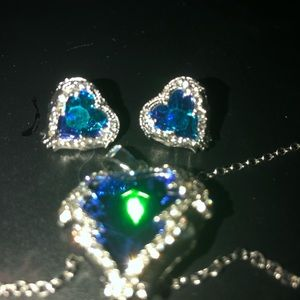 Jewelry - Silver and blue crystal Angel Wings set